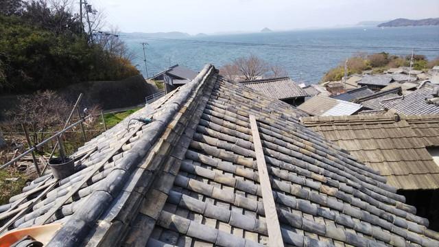 漆の家の屋根修理4