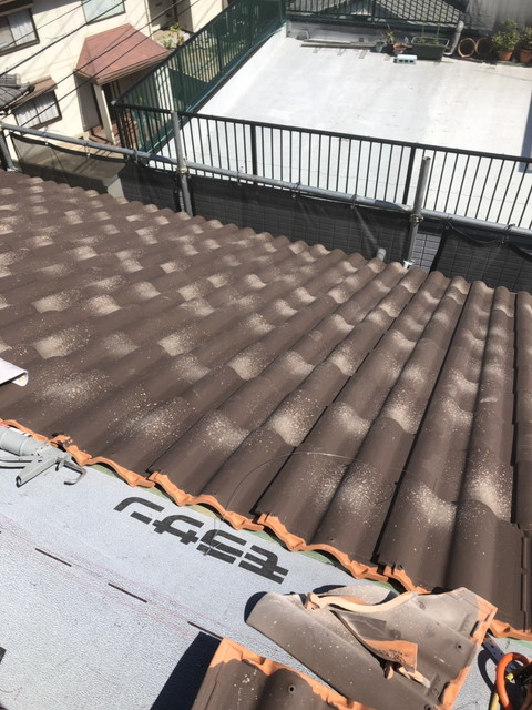 ショコラ色の屋根